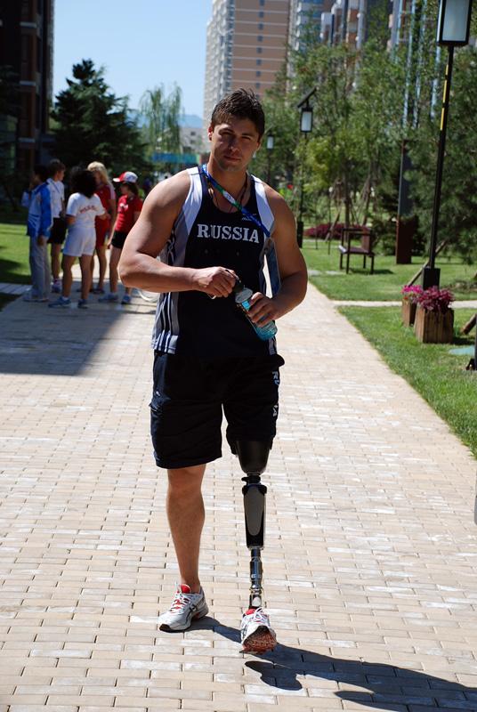 фотографии с протезом ноги левой продается двумя