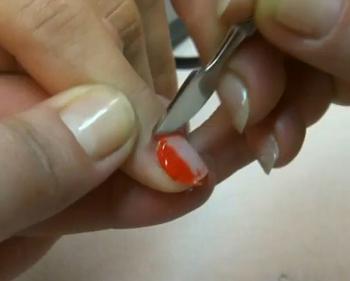 Как в домашних условиях смыть лак с ногтей
