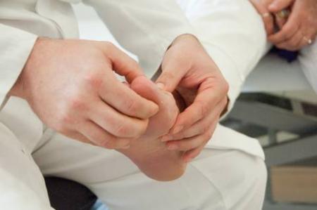 какой врач лечит подагру суставов